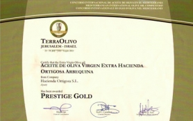 Award PRESTIGE GOLD – TERRAOLIVO 2010 : Hacienda Ortigosa Oil Press