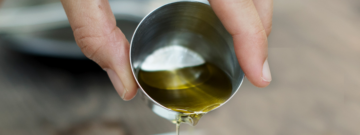 Beneficios de tomar aceite de oliva en crudo