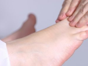 Cuida tus pies con aceite de oliva