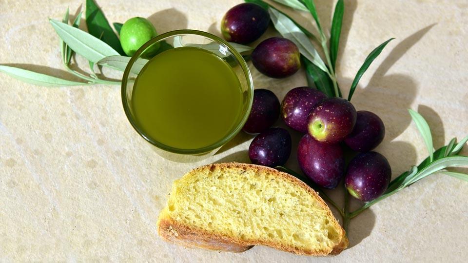 razones-por-las-que-consumir-aceite-de-oliva-virgen-extra